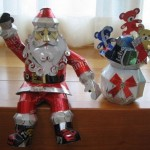 Santa Claus. Aluminium can sculpture by Japanese artist Macaon