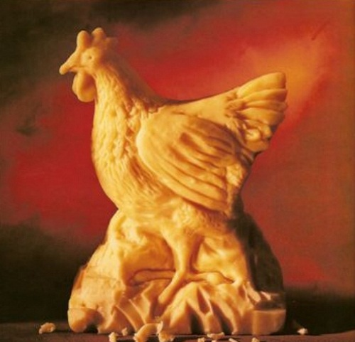 Hen cheese sculpture by American artist Sarah Kaufmann