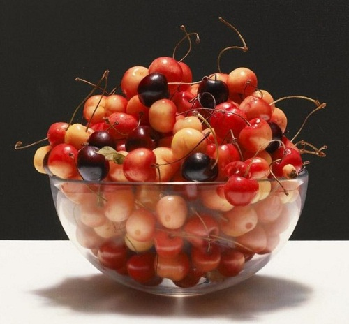Luciano Ventrone's hyperrealistic paintings