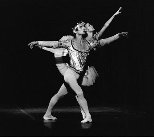 Noella Pontois and Rudolf Nureyev in La Bayadere, Palais Garnier, 1974