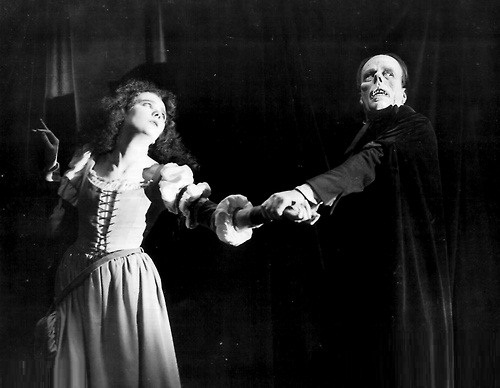 Beautiful Mary Philbin is best remembered for playing the roles of Christine Daae in the 1925 film The Phantom of the Opera opposite screen legend Lon Chaney