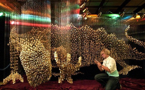 Amazing creation by American artist Robin Protz