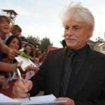 Giving autographs Michele Placido
