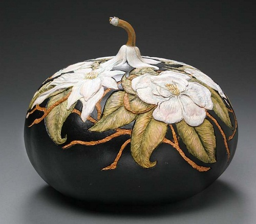 Flowers decorating the vase – art work by pumpkin carver Marilyn Sunderland