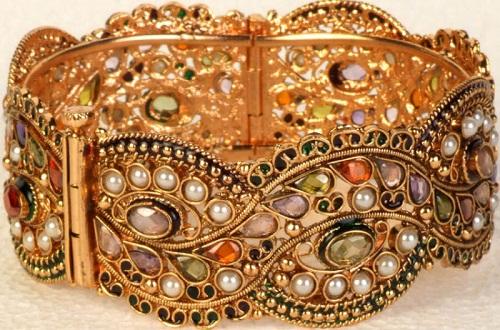 Armbands (Baajuband)