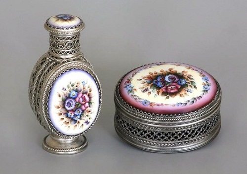 A perfume bottle and a box. Rostov finift