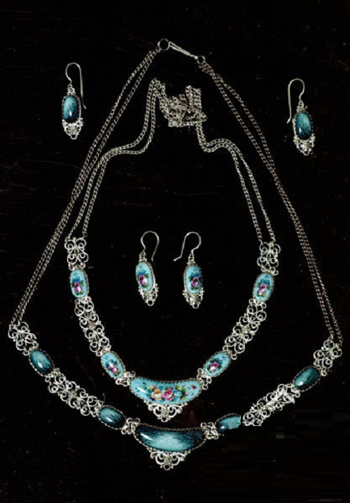 Gorgeous finift jewellery