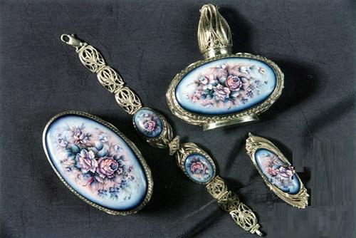 Finift jewellery set