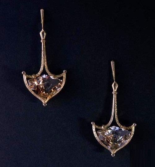 Earrings 'anchor', gold, diamonds, wine Topaz