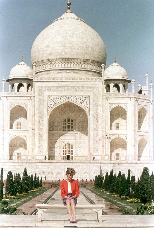 """Princess Diana sat in wistful solitude at the Taj Mahal - the world's most famous monument to a lost love. It was, she said, 'fantastic'. Then she added, mysteriously: """"It is a very healing place."""" photo of 1992."""