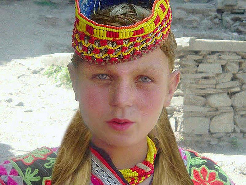 Mysterious white-skinned, blue-eyed Kalash people in Pakistan