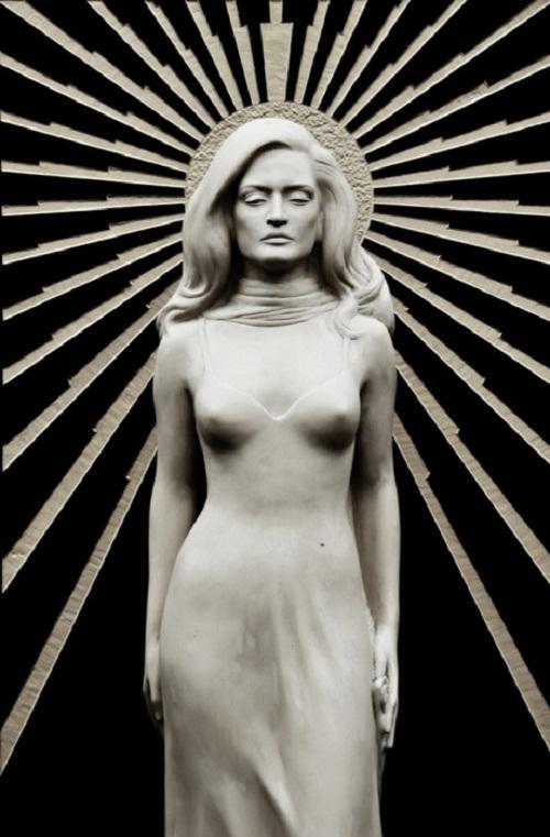 life-size statue of Dalida
