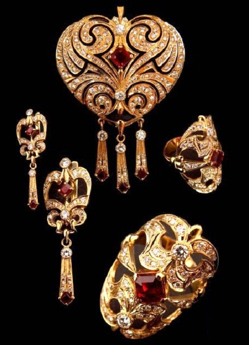Brooch-pendant, earrings, ring, gold, diamonds and rubies. 2002