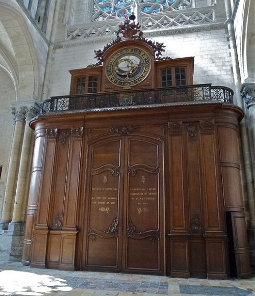 Above the entrance, Astronomical Clock