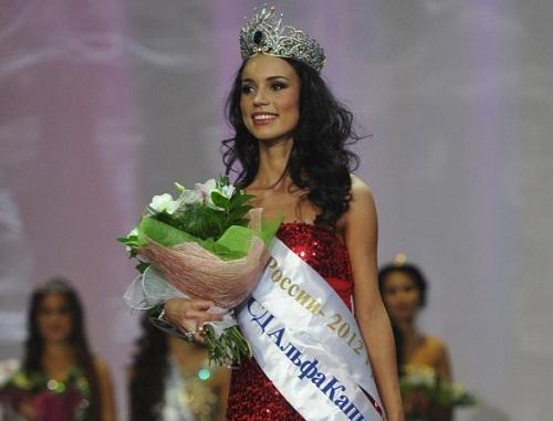 "Happy winner of ""Krasa Rossii-2012"" Russian beauty Elina Kireeva"
