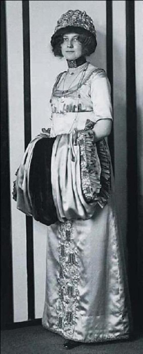 Emilie Floge