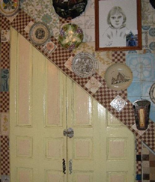 Interior of the House of broken Crockery