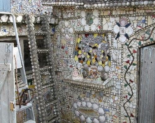 Fragment of house interior La Maison Cassee Vaisselle