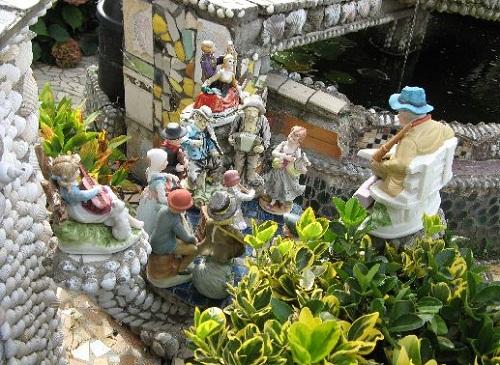 Amazing porcelain figurines