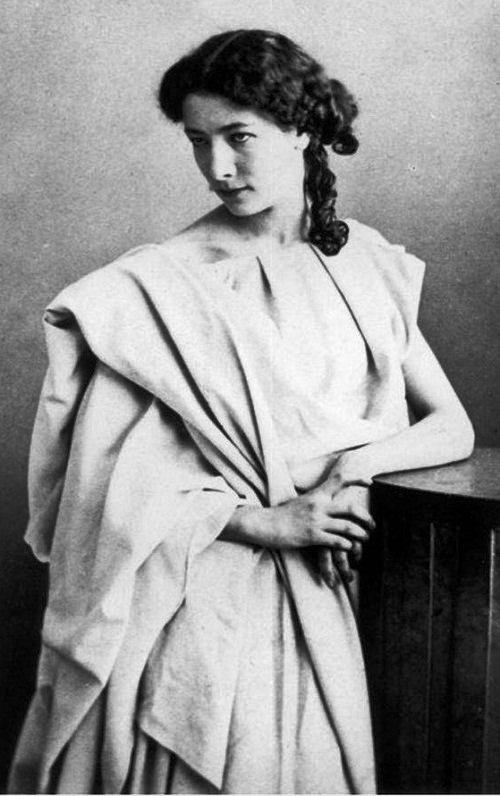 Young Sarah Bernhardt