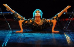 Demonstrating incredible flexibility, Alexey Goloborodko