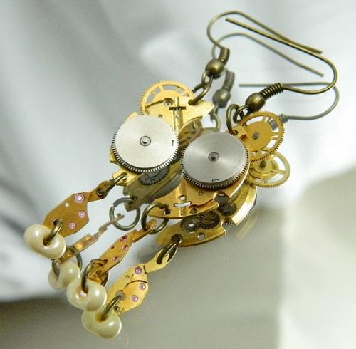 Irina Maritskaya steampunk earrings