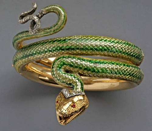 Beautiful symbolic Snake jewelry