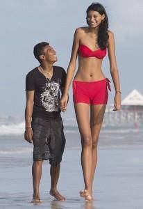 Worlds tallest girl and her boyfriend
