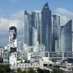 Busan, South Korea. German painter Hendrik Beikirch depicted an elderly sailor on a skyscraper height of 70 metres.