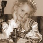 Girl with samovar. photographer Natalia Frolova