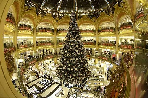 Decorated Christmas tree. New Year's day and Christmas celebration in Kremlin Palace