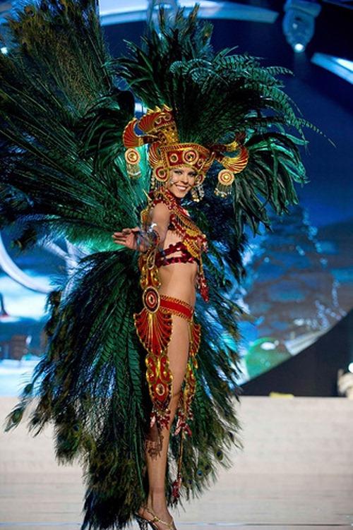 Stephanie Marie Vander Werf Lobato, Panama