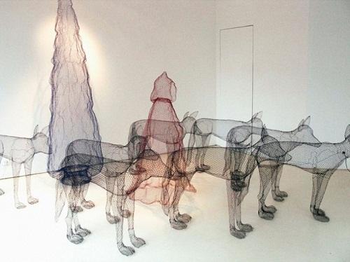 Pack of wolves. Transparent 3D sculpture by Italian artist Benedetta Mori Ubaldini
