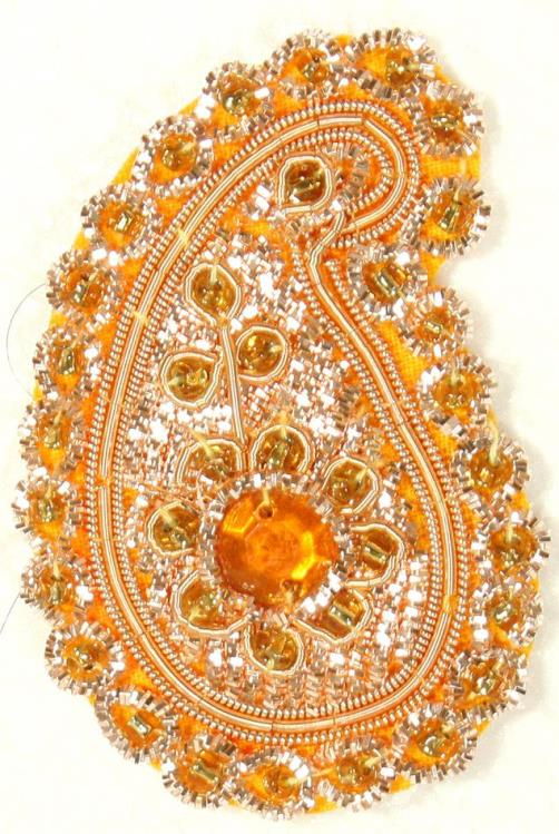 Jewellery and embroidery in one – Zardozi embroidery
