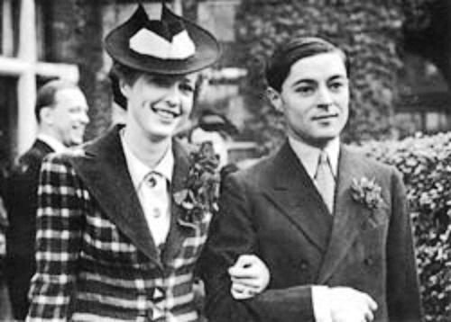 Chula married Elizabeth Hunter, who bore him one daughter Narizu