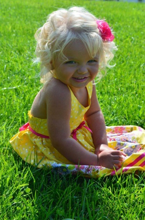 2-year-old model Aira Marie Brown