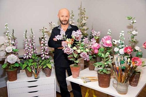 Hyperrealistic porcelain flowers by Vladimir Kanevsky