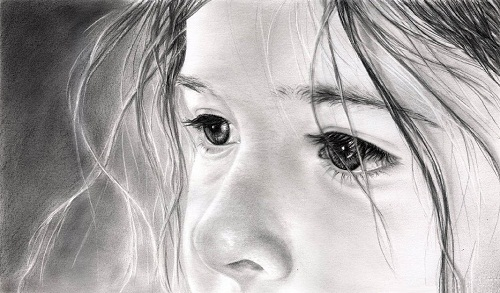 Le regard de Sandrine. Hyperrealistic pencil drawings by French self-taught artist Anna Lenoir