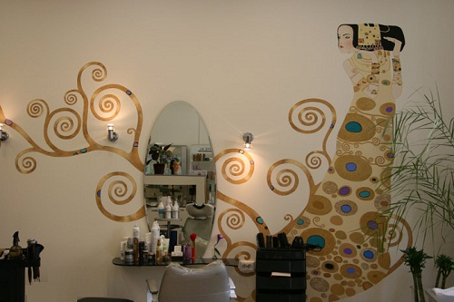 Wall painting inspired by Klimt