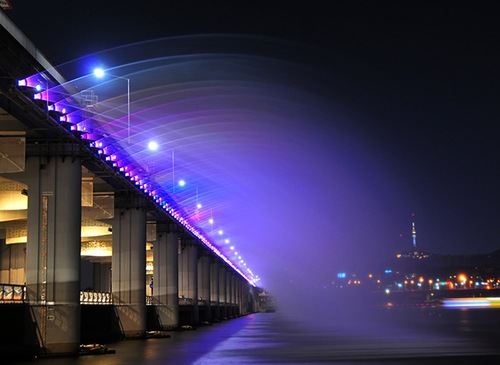 Beautiful Moon Rainbow fountain-bridge in Seoul