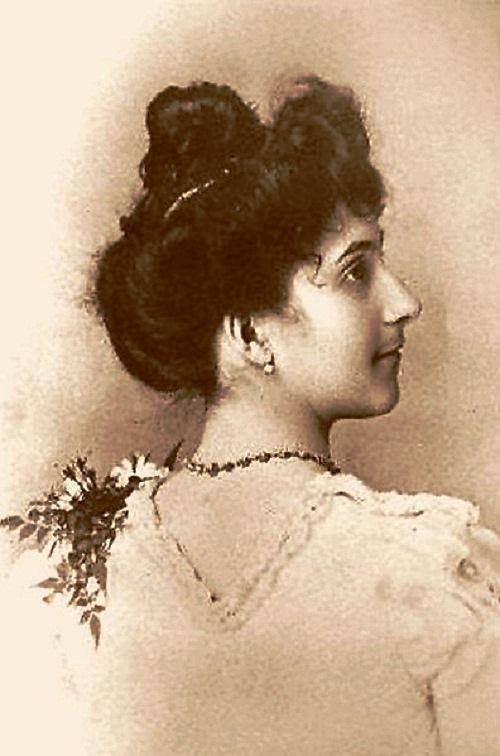 Calment at age 20 in 1895