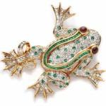 Frog diamond brooch