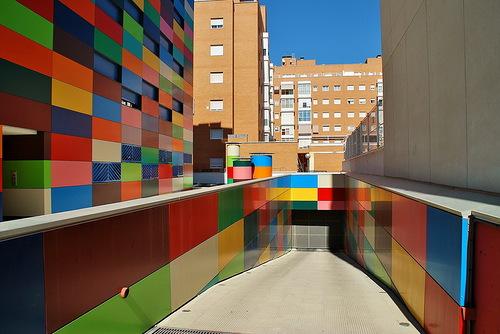 Multi-colored house El espiritu de Paul Klee