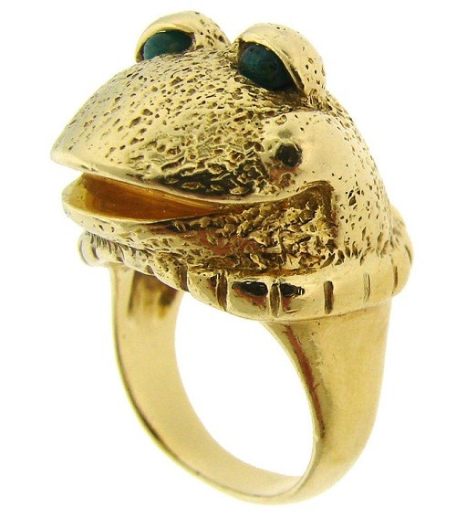 Van Cleef & Arpels Yellow Gold Frog with Emerald Eyes Ring, USA, 1969