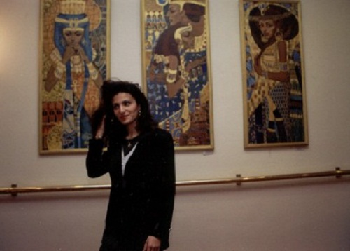 Halla Fattah at the exhibition of her paintings