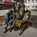 The bronze monument Yoshkin cat is located near Mari State University, Yoshkar-Ola. The authors of the monument are Sergei Yandubaev, Anatoly Shirnin and Alex Shilov.
