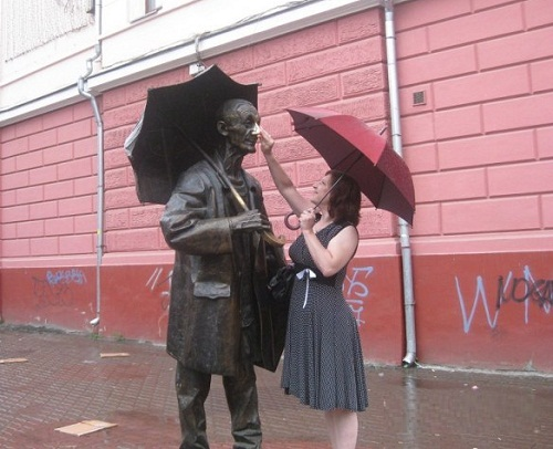 Monument to a painter in Krasnoyarsk, Russia