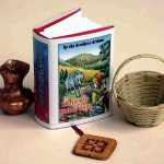 The miniature book 'Brothers Grimm'