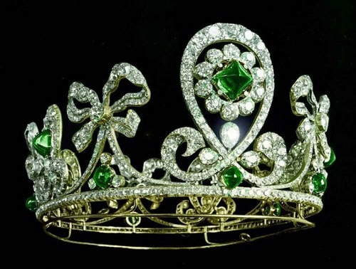 Tiara with emeralds (Bolin, 1900)