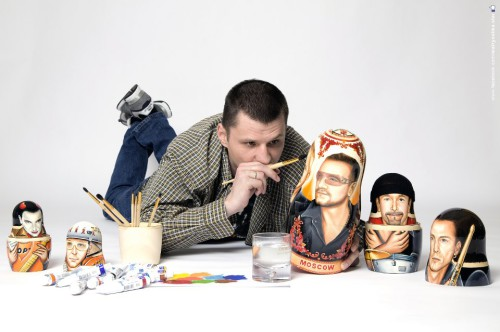 Yuri Gromov painting portraits of celebrities